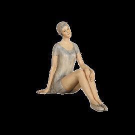 Soška kráska sedící