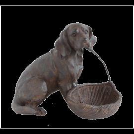 Soška Pes s košíkem